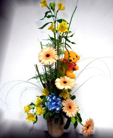 Canasta con Gerberas y Flores varias con peluche